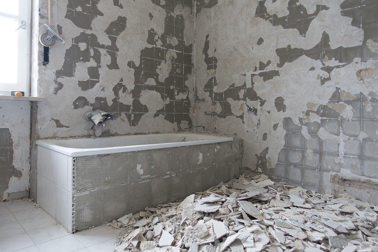 putkiremontti tuottaa runsaasti rakennuspölyä erityisesti purkuvaiheessa